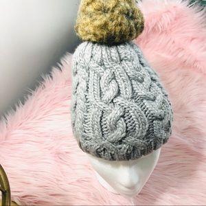 Bula wool blend faux Pom hat.